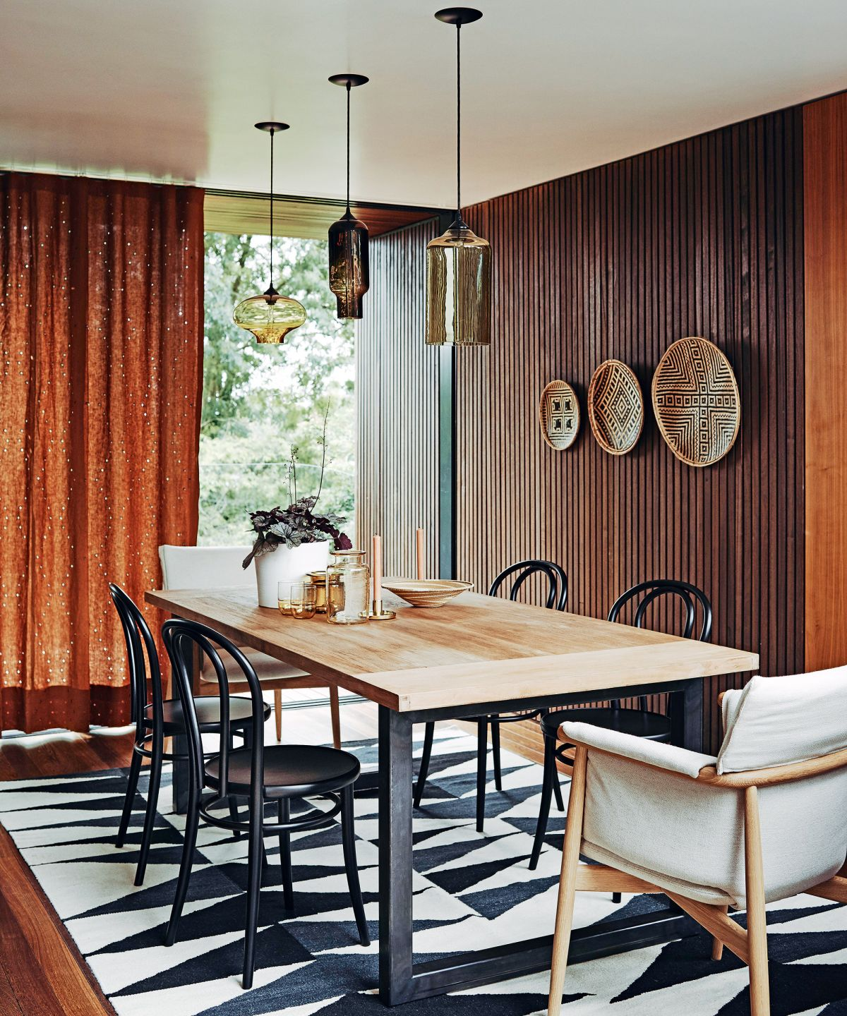 12 contemporary ways to decorate your dining space