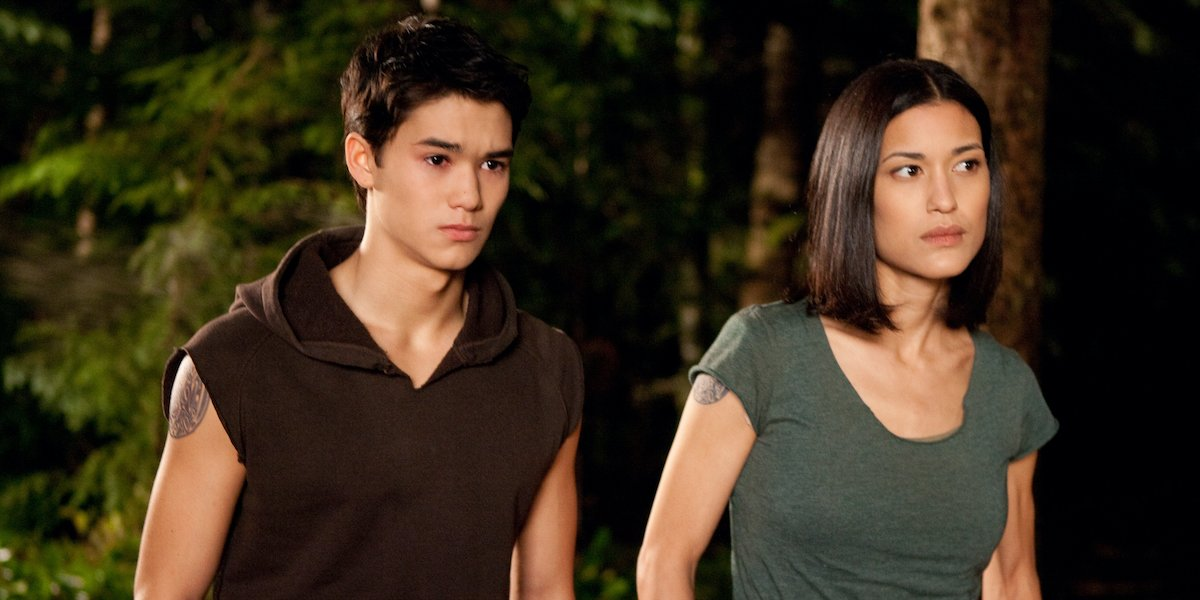 Booboo Stewart and Julia Jones as Seth and Leah Clearwater in Twilight Saga: Eclipse