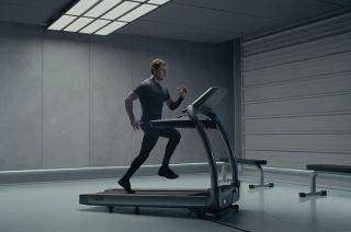 Matt Damon Trains in 'The Martian'