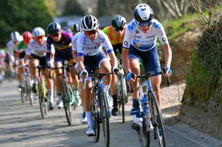 Annemiek van Vleuten (Movistar) at the head of the Tour of Flanders