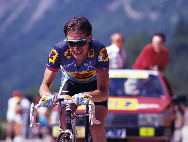 Britain's Robert Millar attacks in pursuit of Theunisse on Alpe d'Huez