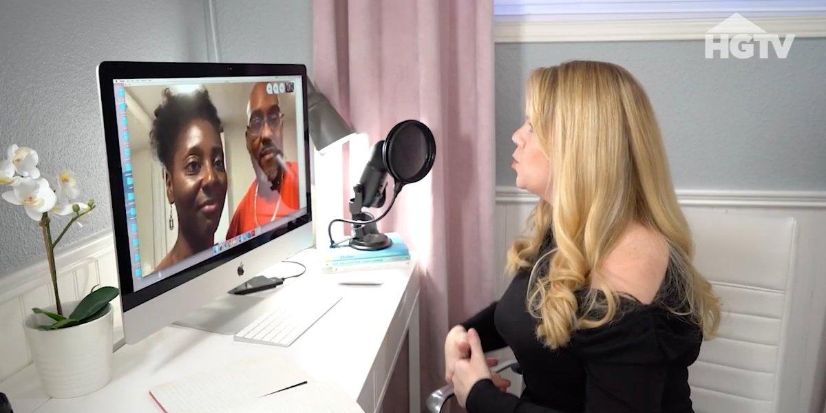 Cassandra Aarssen talking to a client.