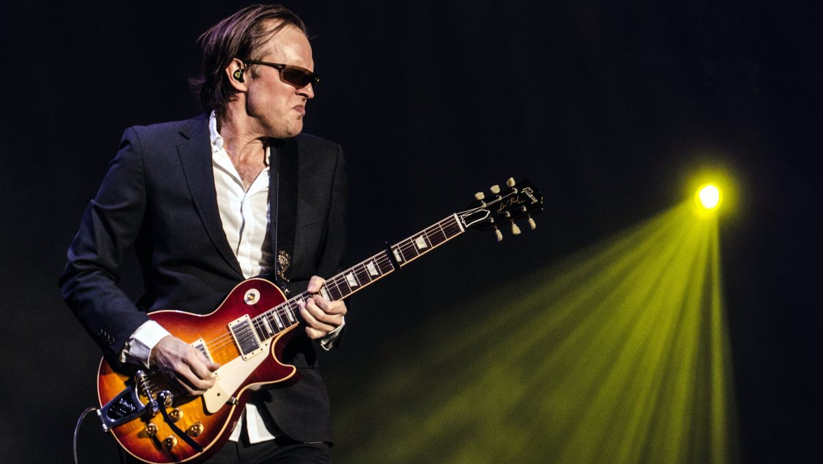 Send your blues into overdrive with this fully tabbed lesson on Joe Bonamassa's blazing pentatonics