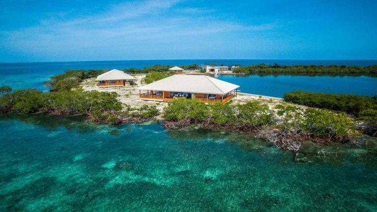 dream property: North Saddle Caye