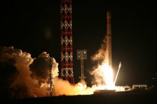 A Russian-Ukrainian Zenit-3SLB rocket on Oct. 6 successfully placed the Intelsat 18 telecommunications satellite into orbit from Russia's Baikonur Cosmodrome.