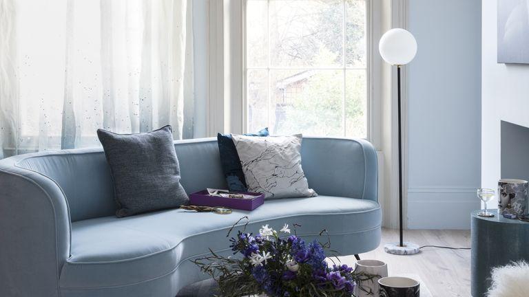 Cristina Celestino color tips, cold blue colors and furniture