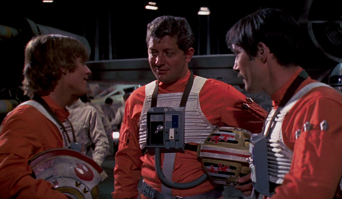 Star Wars: A New Hope Luke talks with some other X-Wing pilots