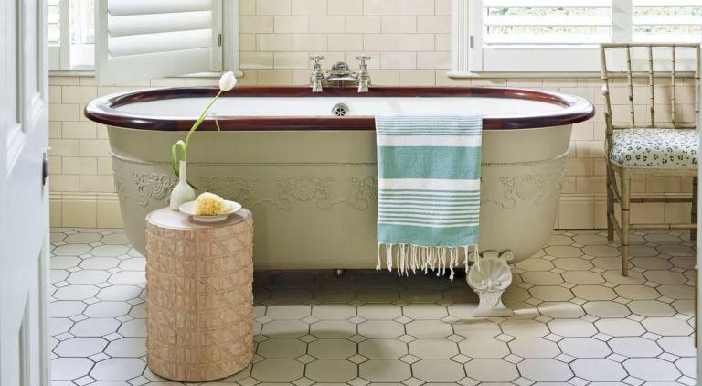 Cottagecore bathrooms