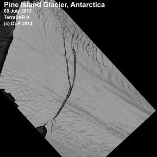 pine island glacier, calving