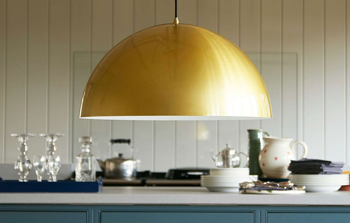 Looking for beautiful kitchen island lighting ideas?