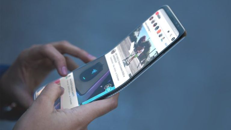 Samsung Galaxy X video vs Motorola Razr folding phone