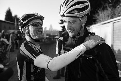 Nick Craig congratulates Paul Oldham, Cyclo-Cross National Championships 2011