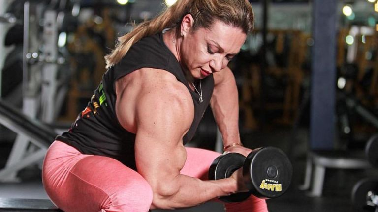 Yaxeni Oriquen Queen of Biceps over 50 biceps workout