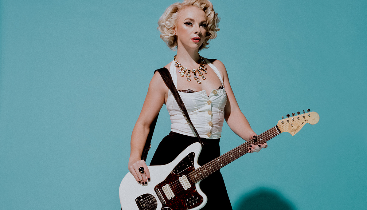"Samantha Fish Premieres New ""Bulletproof"" Music Video 