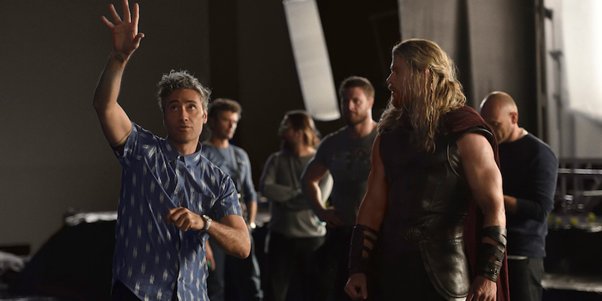 Taika Waititi directing Chris Hemsworth on Thor: Ragnarok
