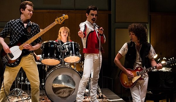 Bohemian Rhapsody Freddie Mercury jams with the rest of Queen in the studio