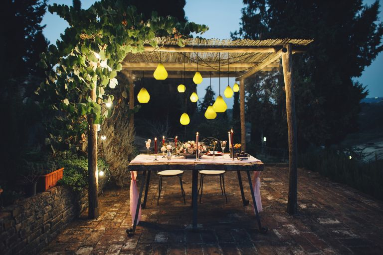 How to build a pergola: Acid drop light by Curiosa & Curiosa