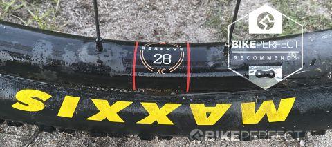 Reserve 28XC wheelset