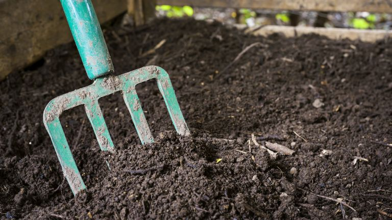 Monty Don compost tip