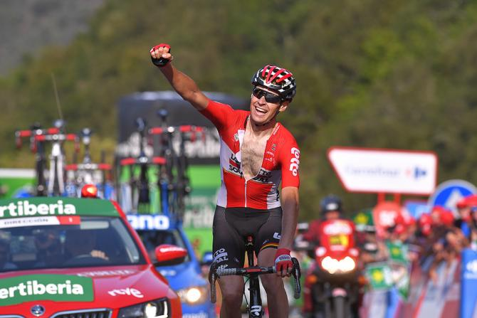 Sander Armee wins stage 18 at the Vuelta a Espana