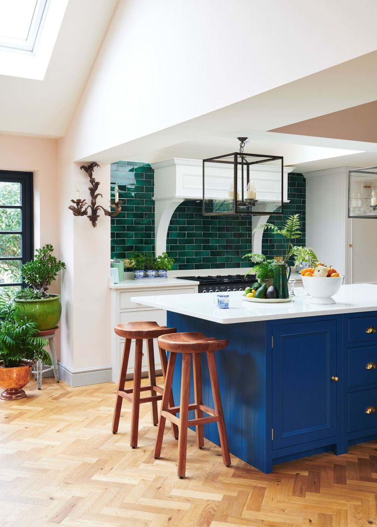 Blue kitchen by Neptune