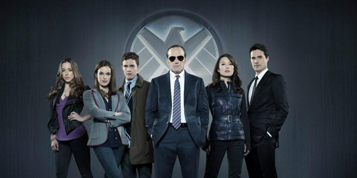 Agents of S.H.I.E.L.D., led by Agent Coulson