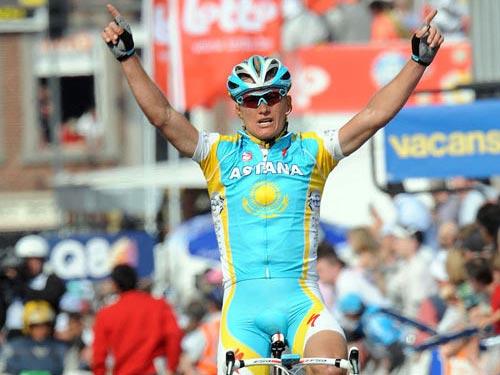 Lexandre Vinokourov wins Liege-Bastogne-Liege 2010