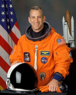 Astronaut Biography: Charles O. Hobaugh