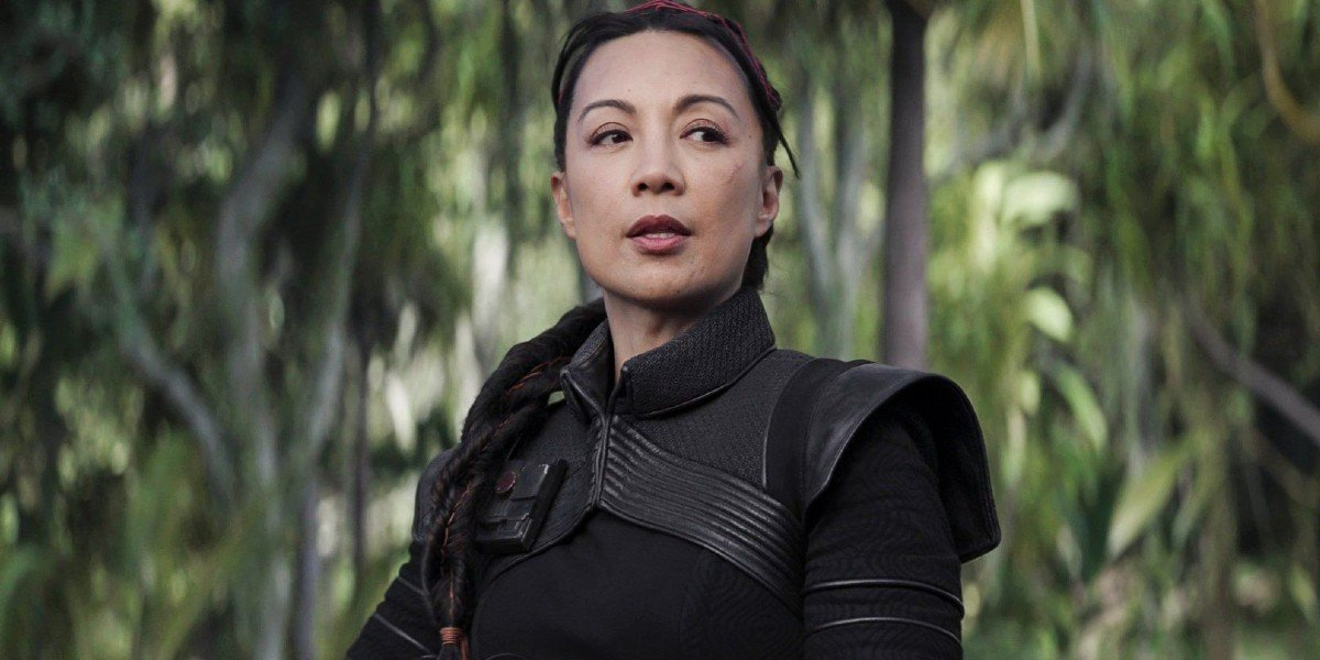 Fennec Shand (Ming-Na Wen) gives direction on The Mandalorian (2020)