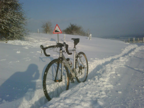 Bostal hill in Steyning, Darren King, 2010 snowy cycling photos