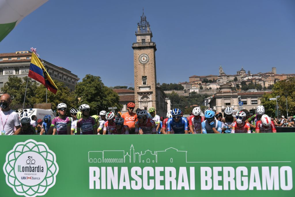 'You will rise again Bergamo' reads the banner at the start of Il Lombardia