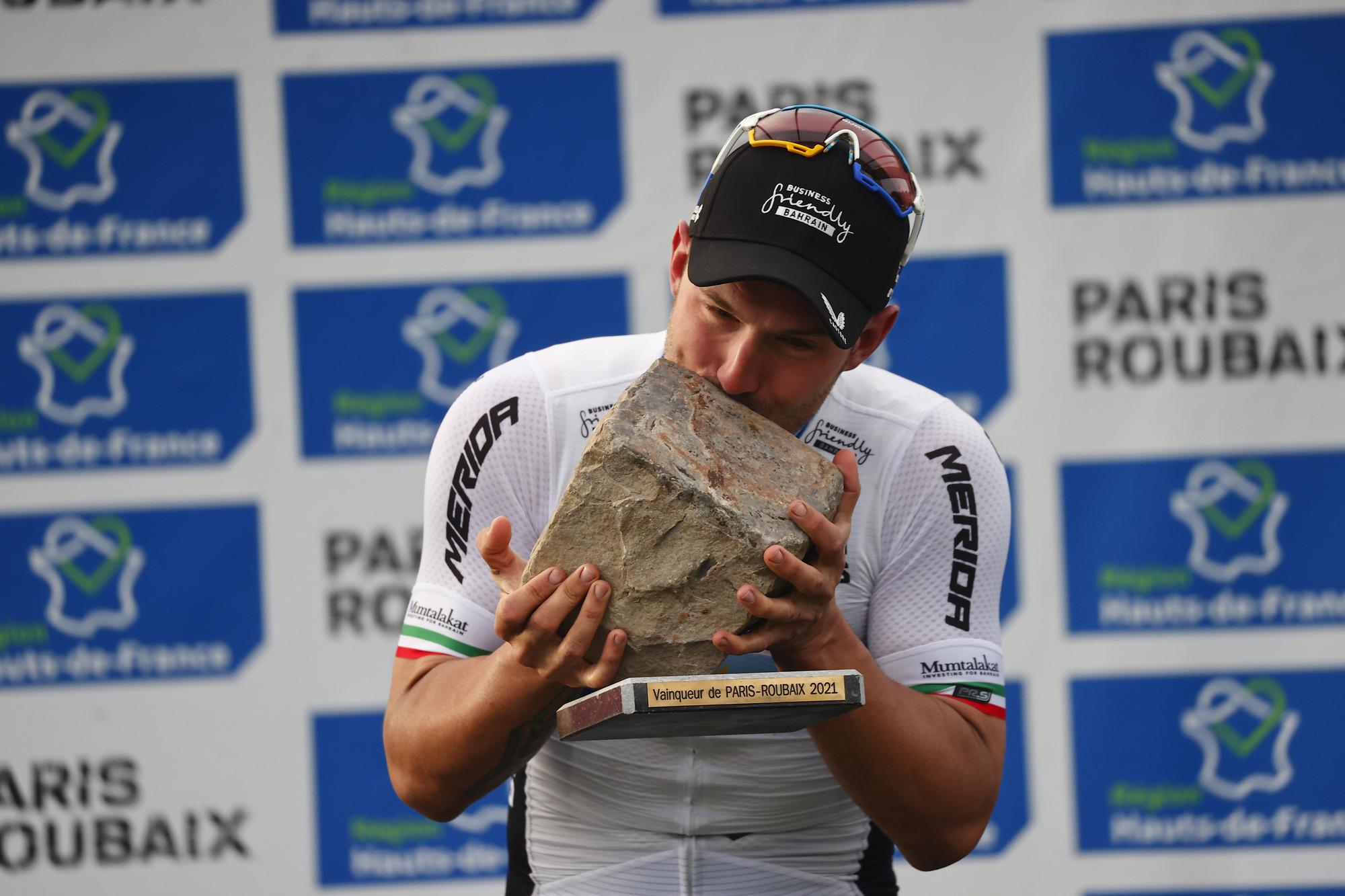Paris Roubaix 2021 118th Edition Denain Roubaix 2577 km 03102021 Sonny Colbrelli ITA Bahrain Victorious photo Luca BettiniBettiniPhoto2021