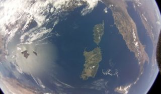 Raspberry Pi strapped to a satellite takes stunning picture of Earth