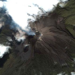 merapi-volcano-2006-101102-02