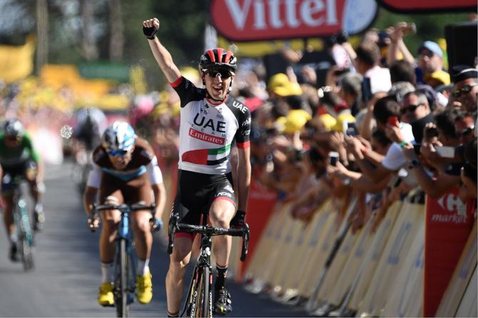 Dan Martin (UAE Team Emirates) wins stage 6 at the Tour de France