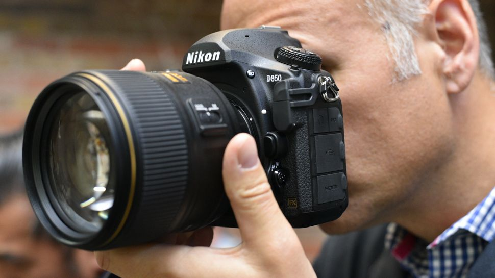 Looking for the best price on the Nikon D850? Then come right in