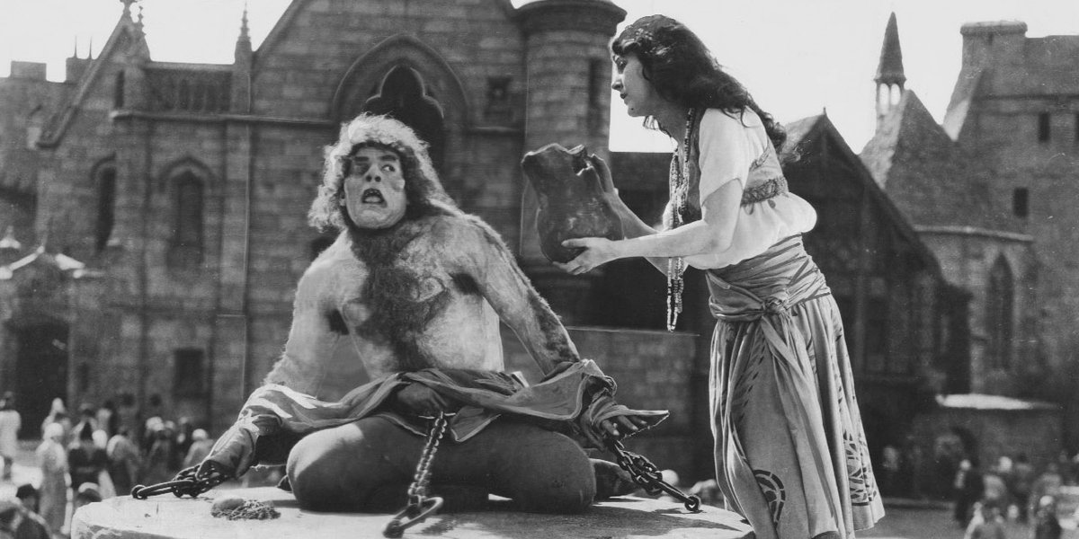 Lon Chaney and Patsy Ruth Miller in The Hunchback of Notre Dame