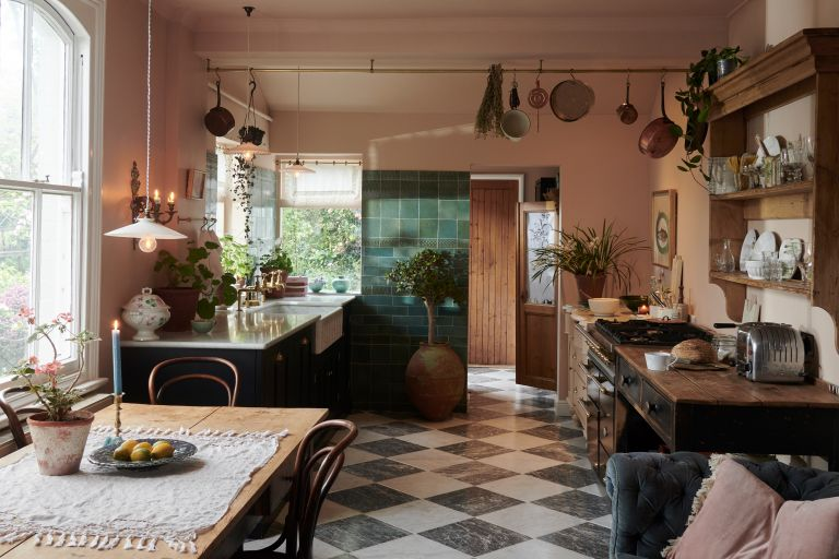 deVOL Classic English cupboards and vintage furniture