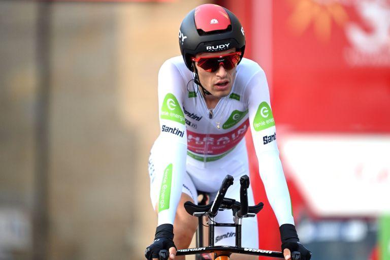 Gino Mäder finishing the Vuelta a España 2021