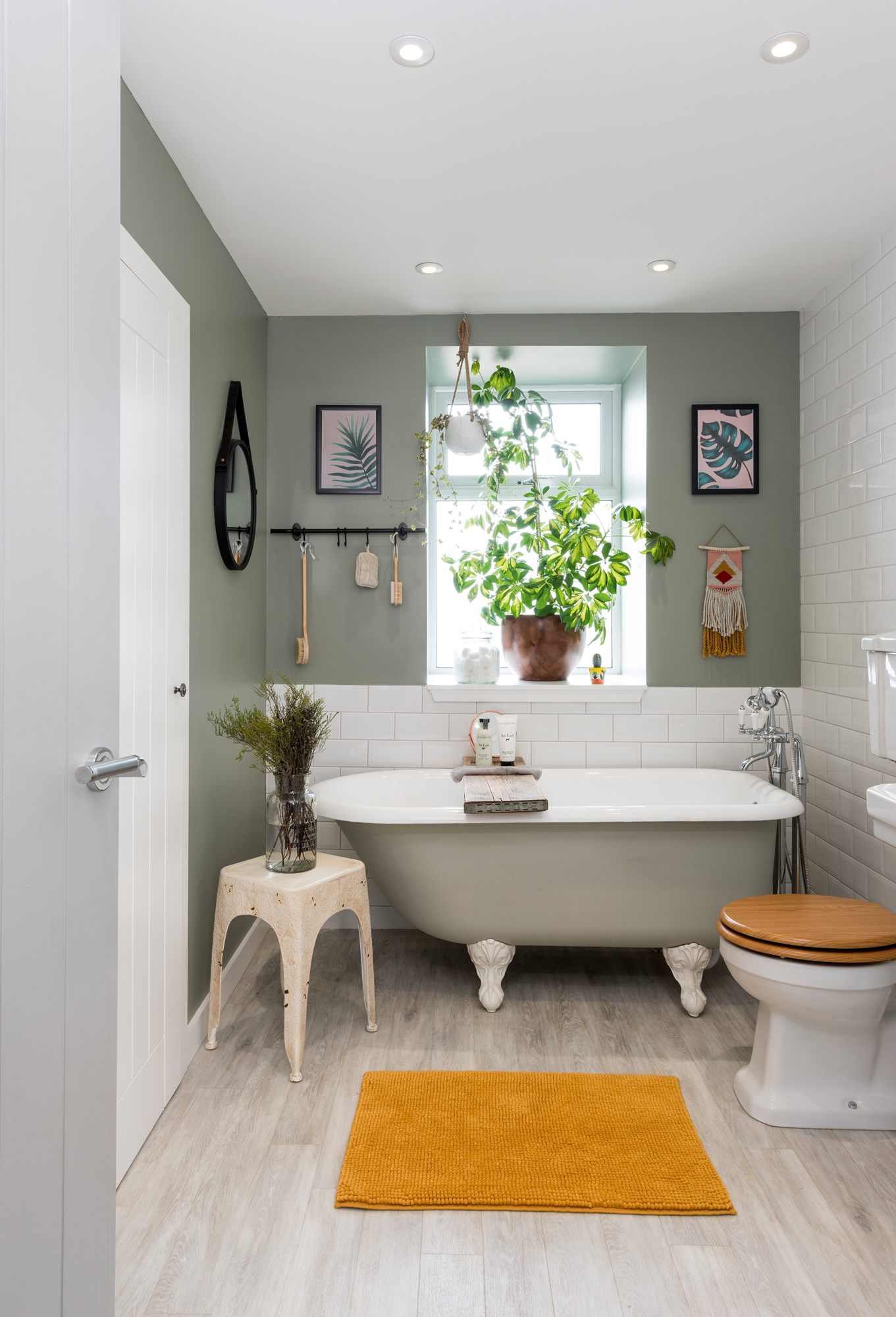 How to remodel a small bathroom | Real Homes