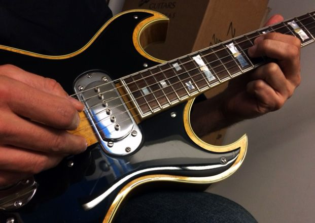 Guitar Chalk Sessions: Building Control from Basic Pentatonic Patterns