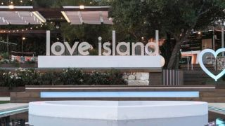 how to watch love island season 4 online