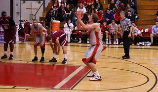basketball-free-throw-100416-02
