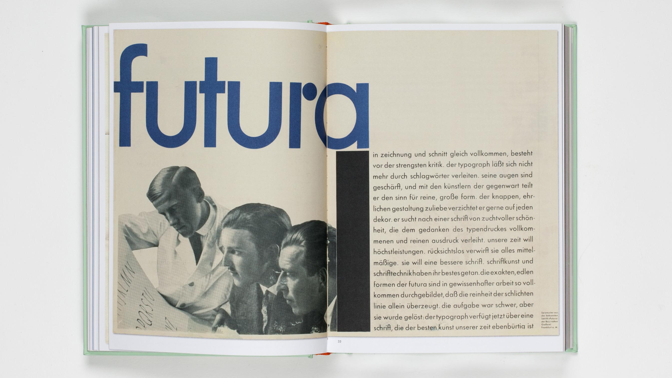 Fonte Futura Bt Book