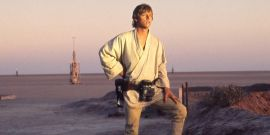 Why A Deleted Luke Skywalker Scene Still Bothers Mark Hamill To This Day