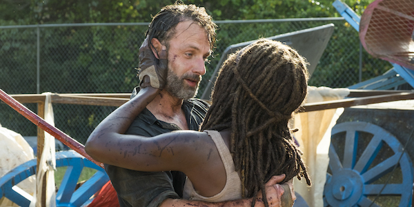the walking dead rick and michonne hugging