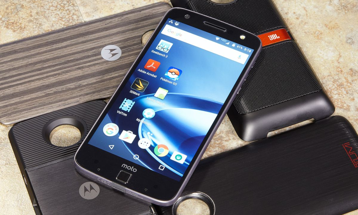Moto Z Force and Moto Z Droid Review: Modularity Done Right