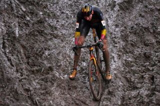 NAMUR BELGIUM DECEMBER 22 Toon Aerts of Belgium and Team Telenet Baloise Lions Mud during the 11th Namur World Cup 2019 UCICX TelenetUCICXWC on December 22 2019 in Namur Belgium Photo by Luc ClaessenGetty Images