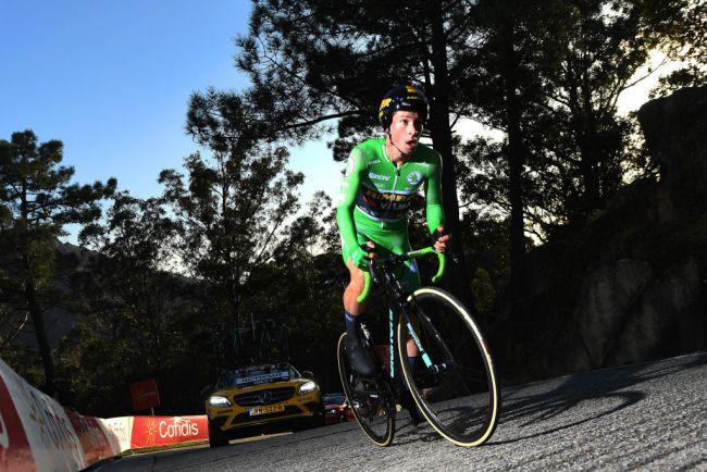Roglič vince sul Mirador de Ézaro (foto Getty Images)
