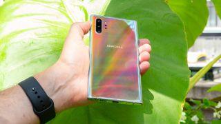 Galaxy Note 10 Plus aura glow refelection